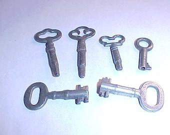 6 Vintage Keys