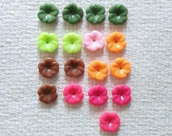"Vintage Flower Bead Assortment - 5/8"" or 17 mm Diameter - Set of 17                                                              03/2018"