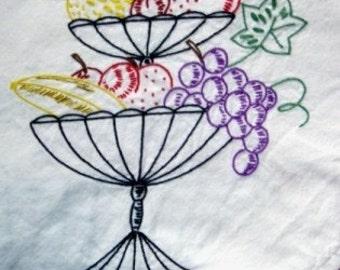 vintage linen ... HANDWORK FRUITY EMBROIDERY lovely TEA TABLE CLOTH ...