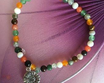 Beaded bracelet with sunflower