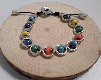 Fine multicolor bracelet.