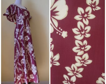 80s tropical maxi gown, purple'ish-white hibiscus floral print, high low hem, ruffled short sleeves. Beautiful tropical tiki dress. Size L.
