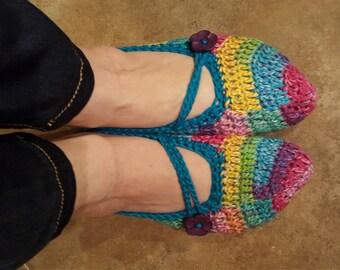 Crochet Slippers, women's size 6-8