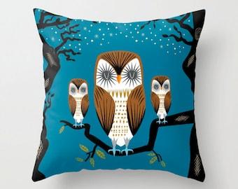 "Three Lazy Owls - Throw Pillow / Cushion Cover (16"" x 16"") iOTA iLLUSTRATION"