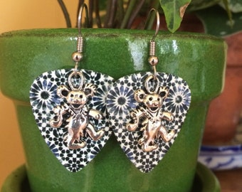 Grateful Dead Earrings - Dancing Bear Earrings - Guitar Pick Jewlery - Grateful Dead Jewlery - Guitar Pick Earrings