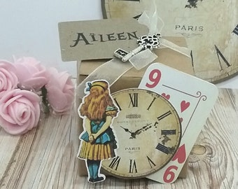 Box dragees theme Alice in Wonderland vintage kraft country