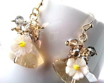 30% Spring Sale!! Lovely Chandelier earrings, wedding earrings, wedding jewelry, vintage style earrings, flower earrings