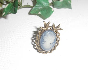 Blue bronze frame with bird cameo ring, adjustable size