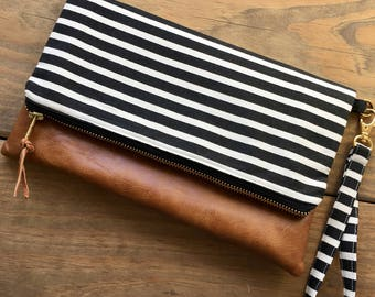 Wristlet Wallet - Cellphone Wallet - Monogram Wristlet - Clutch Wallet - Smartphone Wristlet - Personalized Wallet Clutch - iPhone Wallet
