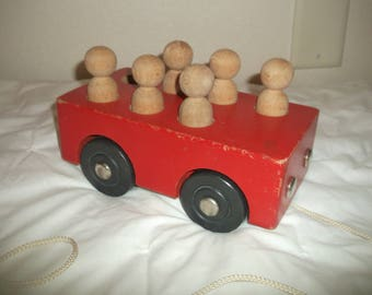 Creative Playthings Bus Pull Toy 60's NICE!