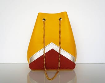 "Mini Bucket bag ""AUDE"" yellow leather"