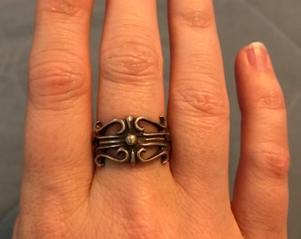 CLEARANCE!! Renaissance style ring size 5-6