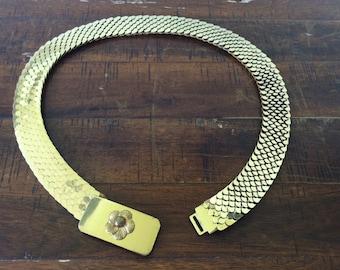 Vintage gold elastic flower belt, fun vintage accessory, chain mail looking design, 2roads2take