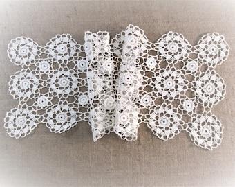 Vintage Table Runner Antique Linens Crochet Lace Ivory Off White Hand Crocheted Dresser Scarves Cottage Boho Decor Vintage Linens