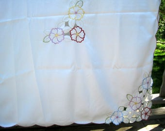 "Croft & Barrow Large 82"" x 60"" Tablecloth with floral embroidery. For wedding, other .VG condition."