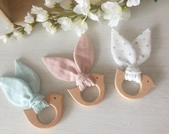 Birdy teether wooden natuel untreated and fabric mix