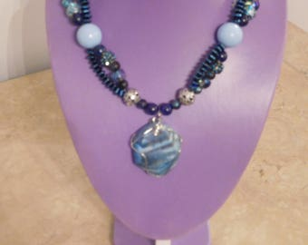 Shades of blue necklace with exquisite varigated pendant