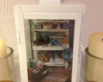 1ZU12 miniature scene in White Lantern