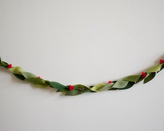 Winter Holly Garland - Felt - Multiple Sizes Available