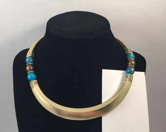 Ethnic collar alloy choker with blue beads