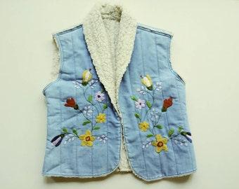 Sherpa Vest Vintage - S/M Embroidered Vintage Vest - Floral Vest - Vintage Denim Vest