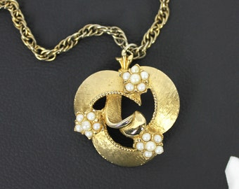 Bohemian Gold Tone and Faux Pearl Vintage Necklace