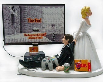 Bride and Groom Funny Gamer Wedding Cake Topper Zeld