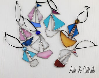 Stained Glass Sailboat, Various Colors and Sizes, Sailing Boat, Marine Decoration, Nautical Decoration, Glass Sailing Boat