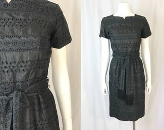 Small ** 1950s BLACK EYELET cotton fringe day dress ** vintage fifties Quaker Lady embroidered black dress