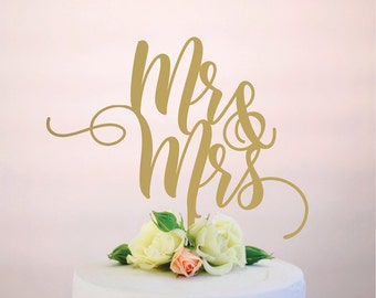mr and mrs : wedding cake topper