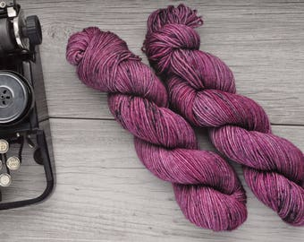 Ramble through the Bramble - DK weight - British BFL - Bluefaced Leicester - Hand Dyed - Superwash BFL - Hand Painted - Tonal Yarn - Speckle