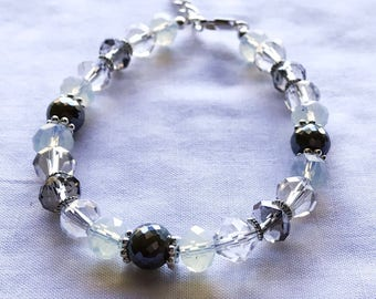 Clear and gray crystal beaded bracelet