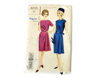 "1960's vintage Vogue dress pattern, Vogue Special Design, Bust size 35"", bust size 89cm, dress with belt,  60's dress pattern, Vogue 4245"