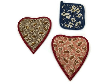 Vintage Quilted Pot Holders - Heart Shape Trivet - Wall Decor - Vintage Kitchen Trivet - Quilted Hot Pads