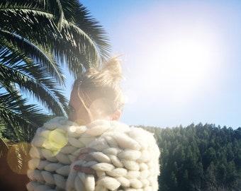 super chunky yarn blanket,super chunky knit,knit blanket,merino wool blanket,chunky knit,hadspun,knitting, baby blanket,merino wool yarn