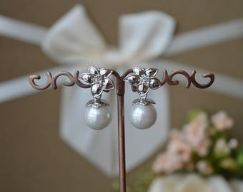 Earrings,Bridal Pearl Earrings, Pearl Earrings,Bridal Earrings.