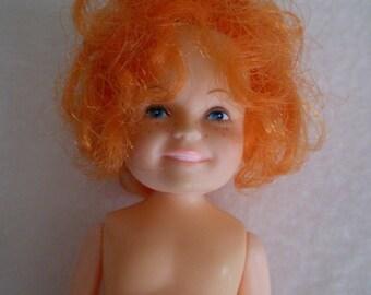 Vintage 1982 the world of Annie doll Knickerbocker