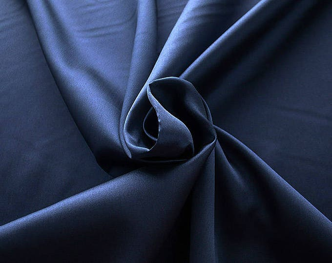 274046-Mikado-82% Polyester, 18 silk, 160 cm wide, made in Italy, dry cleaning, weight 160 gr, price 1 meter: 54.81 Euros