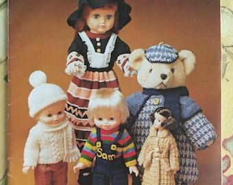 Patons Dolls Clothes C38 Patterns 23 Designs