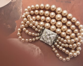 Hollywood Glamour Faux Pearl Bracelet