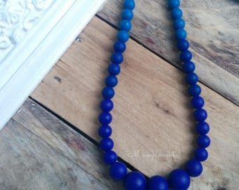 Teething necklace. Navy.
