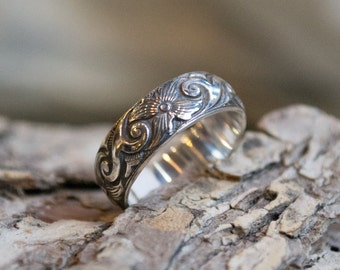 Silver wedding band, boho ring, stacking ring, flower band, gypsy ring, unisex wedding ring, hippie ring, bohemian band - New life - R2141
