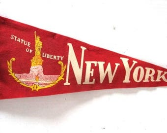 Vintage Statue of Liberty Pennant, 18 inch Souvenir, New York City Tourist, Red, felt, Upcycle Craft Suppy, Immigrants, Ellis Island History