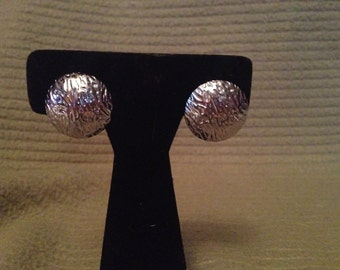 Vintage Silvertone Round Design Earrings, 1'' Diameter
