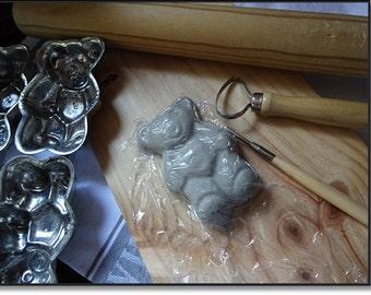 Vintage Mold, 6 Teddy Bear Molds, Vintage Chocolate Molds,Candle Molds, Vintage Metal Teddy Bear, Vintage Crafting, Professional Chocolate