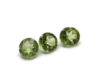 3 Round Faceted green Peridot loose gemstone, 4.6mm diameter round Olivine, Jewellery supplies UK