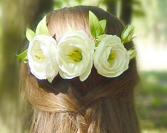 Floral wedding hair piece Wedding white flower hair comb Floral hair clip headpiece Ivory flower hair piece Bridal hairpiece accessory