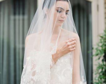 ADELAIDE-  Drop Veil, Fingertip Lace Veil,  Wedding Veil, Bridal Veil, White lace veil, Cathederial veil