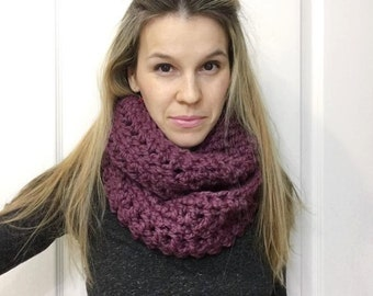 Women's Chunky Infinity Scarf - Cowl Wool Scarf  - Women's Neckwarmer - Chunky Neckwarmer - Chunky - The LIKA - Choose Your Color