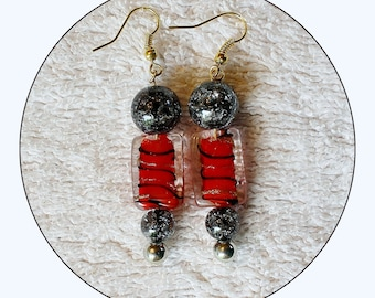 Red black Earrings, red and black, beaded earrings, bright red earrings, Mother's Day gift, gift for her, glass bead earrings, Item #RBG01